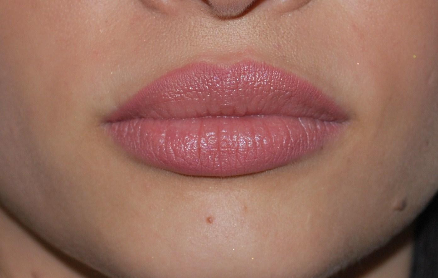 [Image: full-lips.jpg]